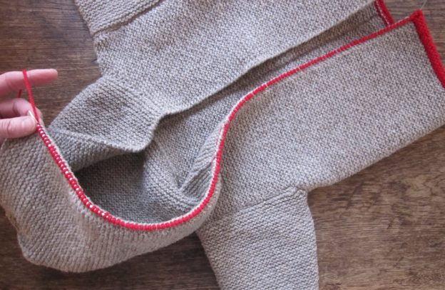Hooded jacket for children: how to add the edging