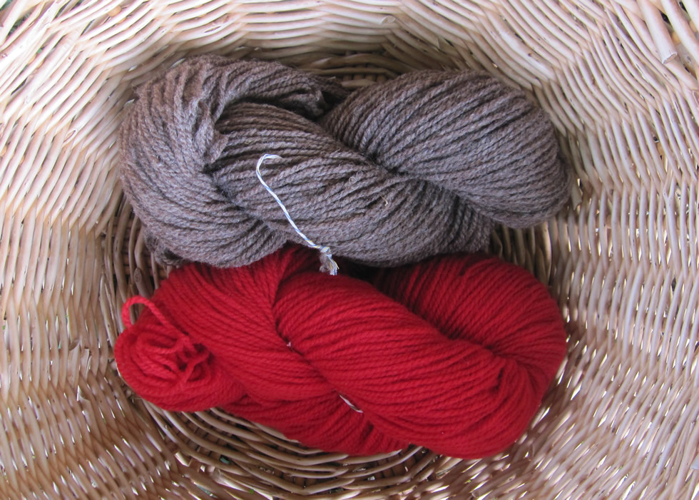 Wendelstein wool 2-ply light fawn and red