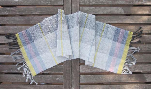 Webschal aus Wendelstein Schafwolle