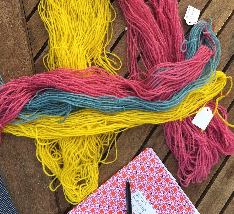 Schurwolle, mit Pflanzenfarben gefärbt
